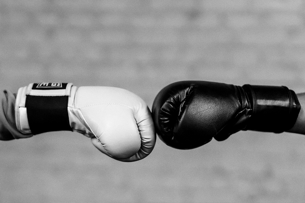 boxing gloves touching